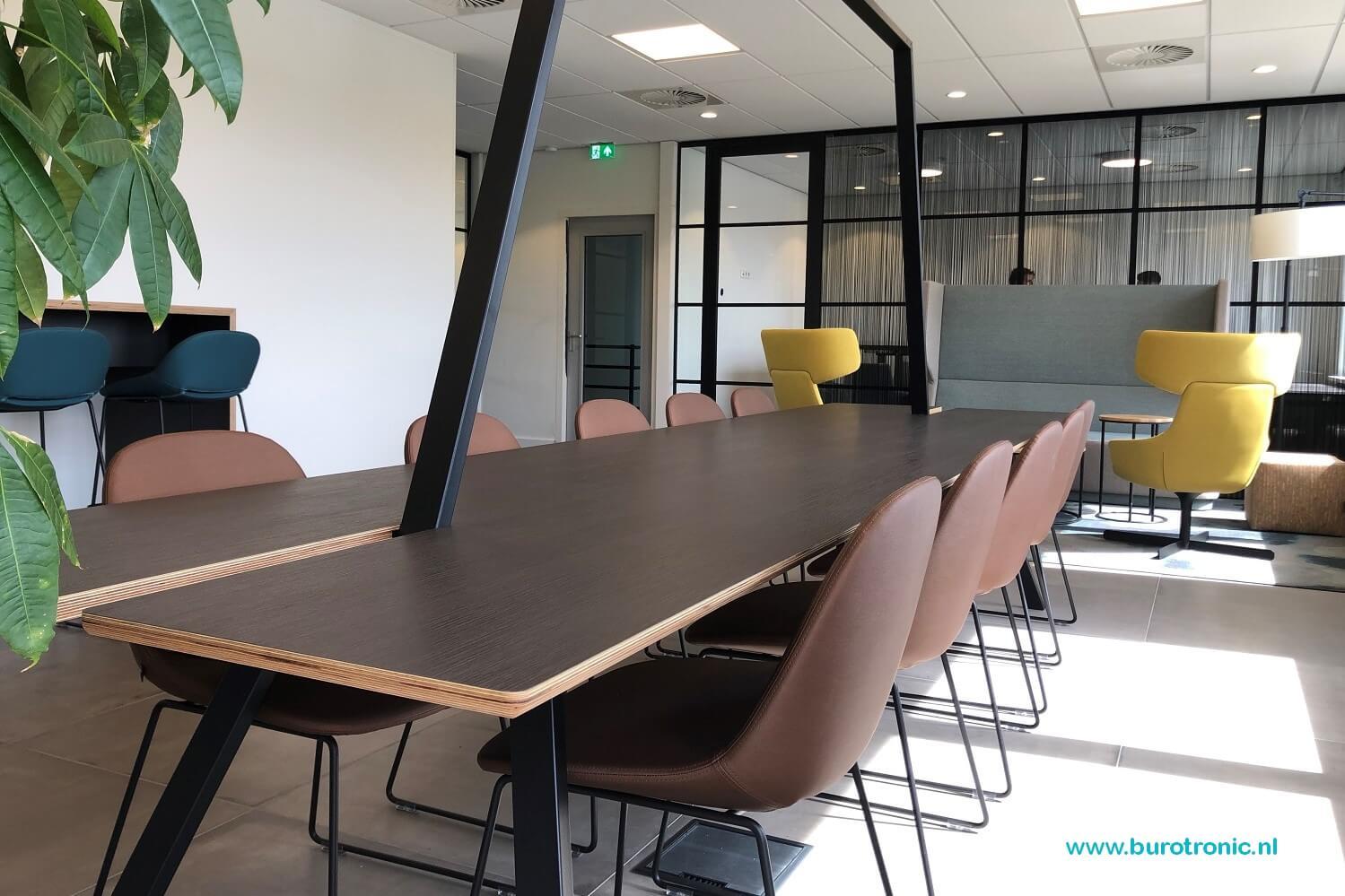kantoormeubilair-lande-dock-artifort beso
