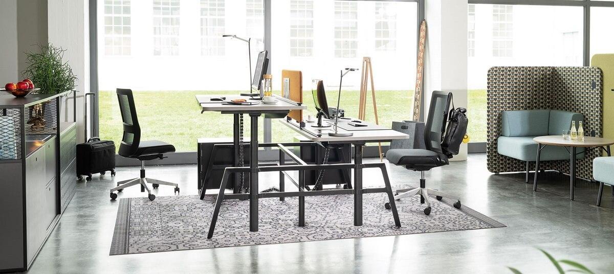 ergonomische werkplekken met in hoogte vestelbaar zit sta bureau