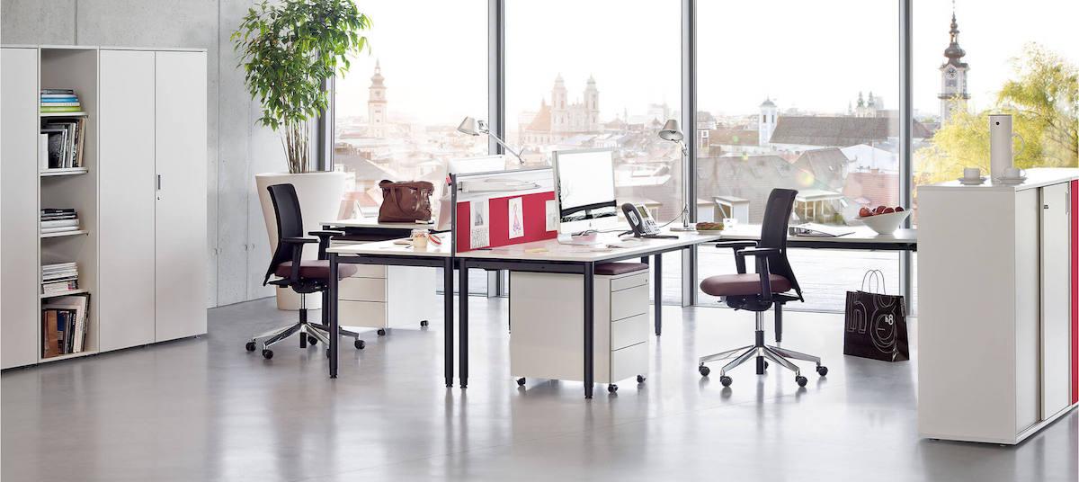 modern kantoor met hoekbureau, ladeblok en archiefkast