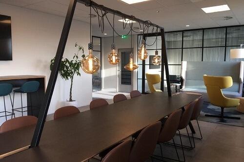 Referentie-kantoormeubilair